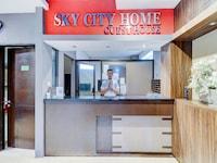OYO Flagship 90641 Sky City Home