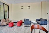 OYO 90649 Raja Residence