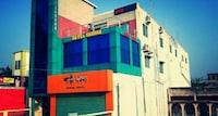 SPOT ON 82712 Gangamoyee Hotel