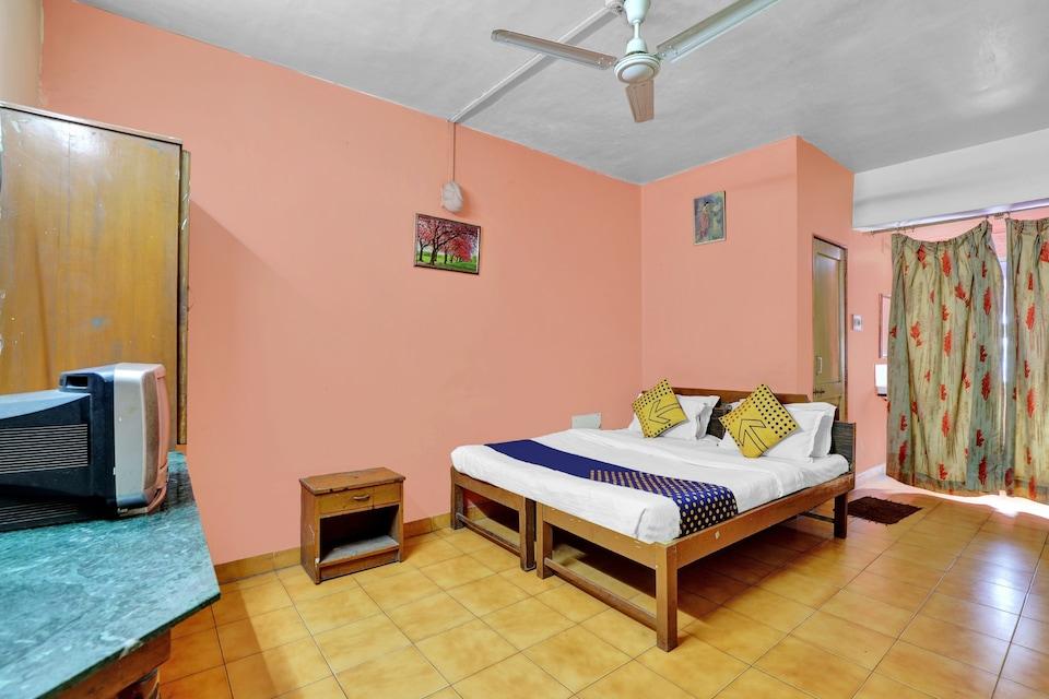SPOT ON 82714 Hotel Krishna, Alkapuri Vadodara, Vadodara
