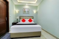 Capital O 82722 Hotel Royal Palace&rajbhojana (pure Veg)