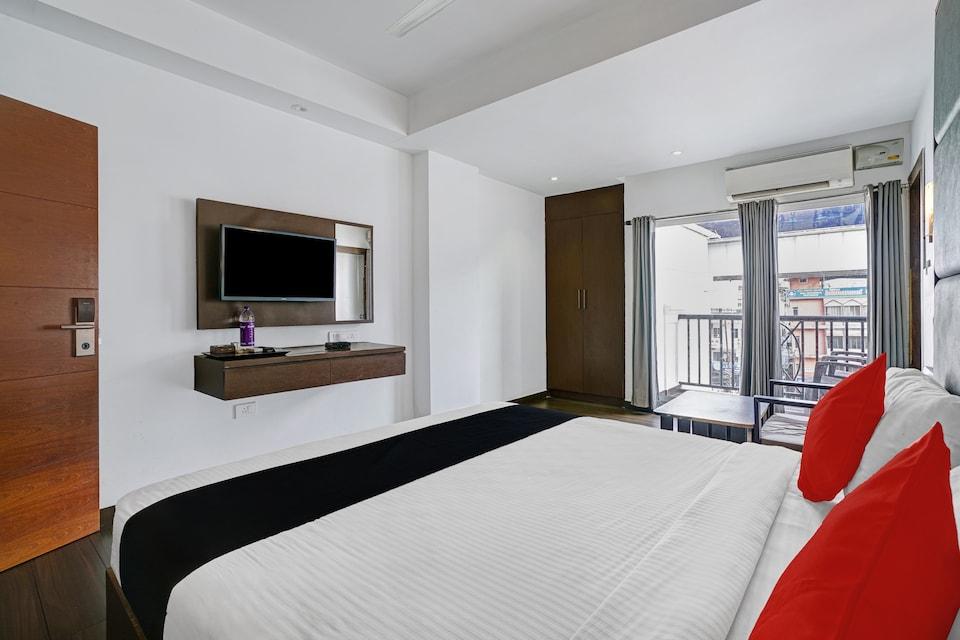 Capital O 82832 Hotel Suites, Railway Station South Kochi, Kochi