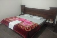 OYO 82873 Hotel Shakuntla