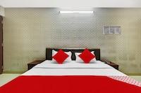 OYO 82910 7 Eleven Hotel & Banquet