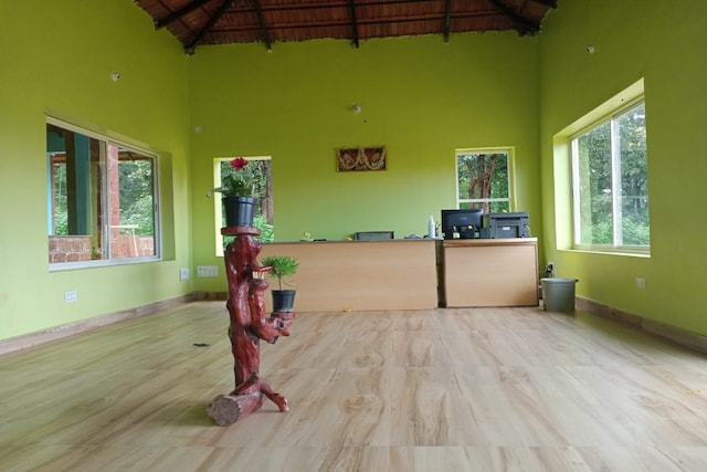 POP 82916 Saanvi Resort