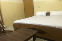 POP 82949 Hotel Satyam