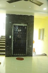 OYO 82996 Sri Durga Luxury Rooms