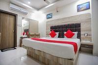 OYO 6883 Hotel Galaxy Star