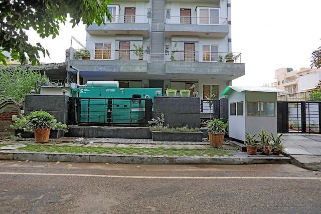 Townhouse  542 Kriti Residency Sector 51