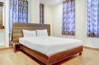 OYO Flagship 83265 Hotel R Square
