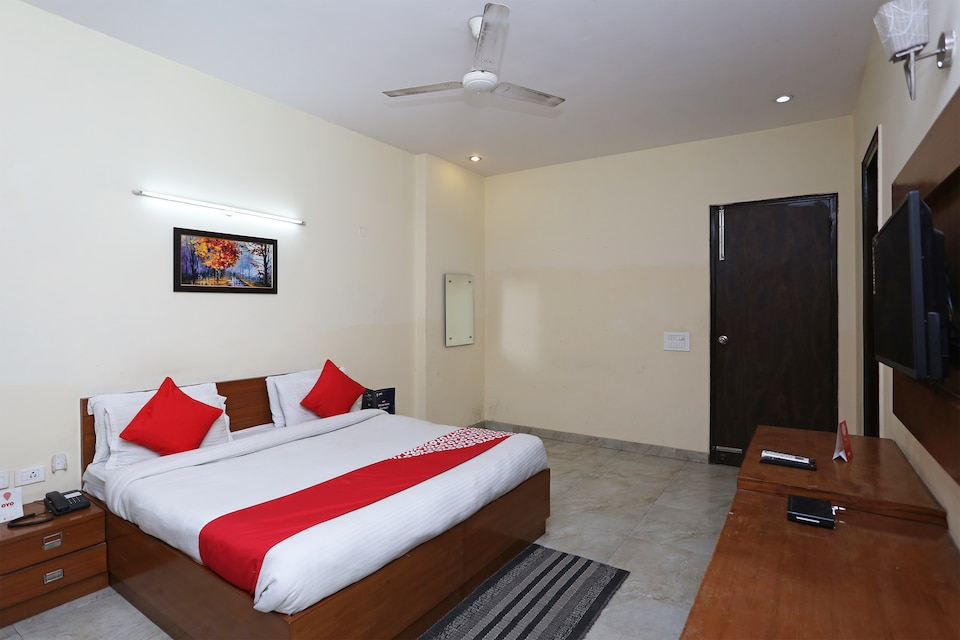 OYO 350 Swarg Guest House