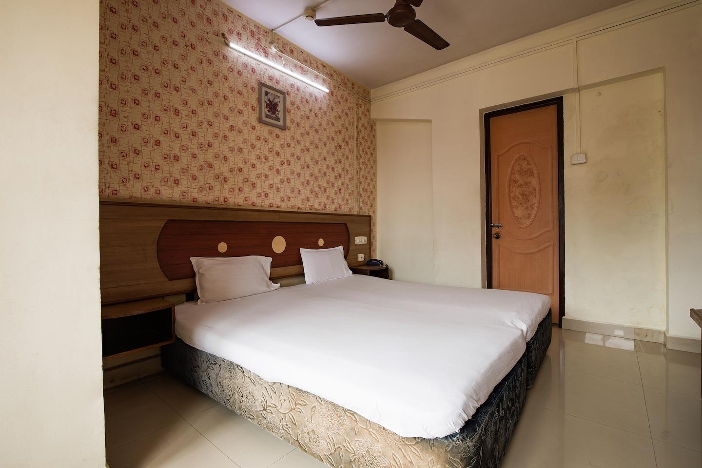 SPOT ON 6991 Hotel Poonam -1