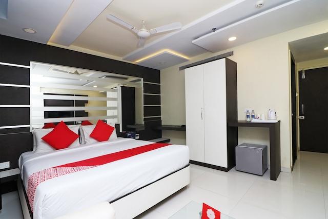 OYO 7054 Hotel Amabalika