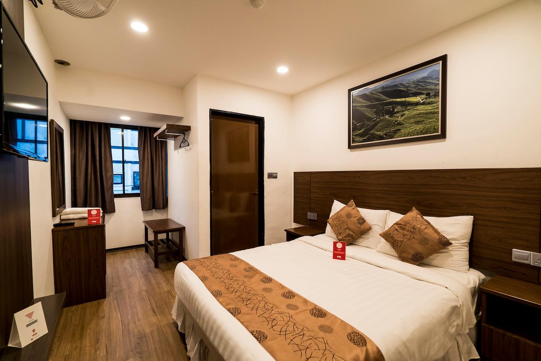 OYO 282 Highlanders Hotel Room 1