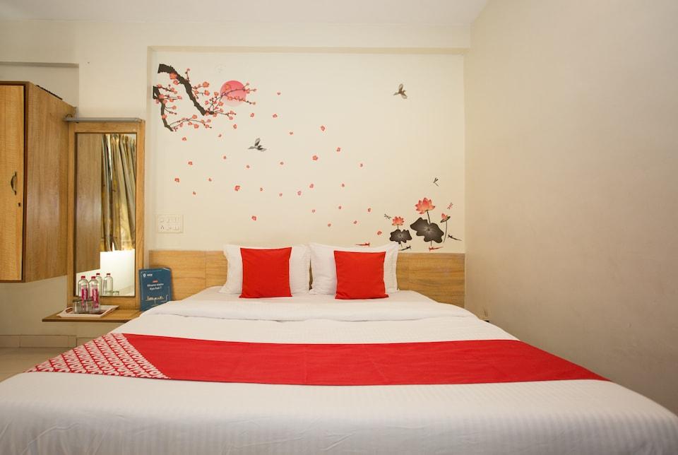 OYO 11601 Hotel Karishma