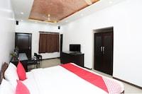 OYO 7128 Hotel Rama Deluxe