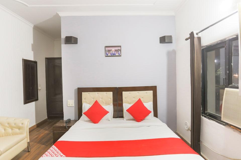OYO 1064 Hotel Suryansh