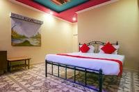 OYO 7206 Casa De Golden Inn