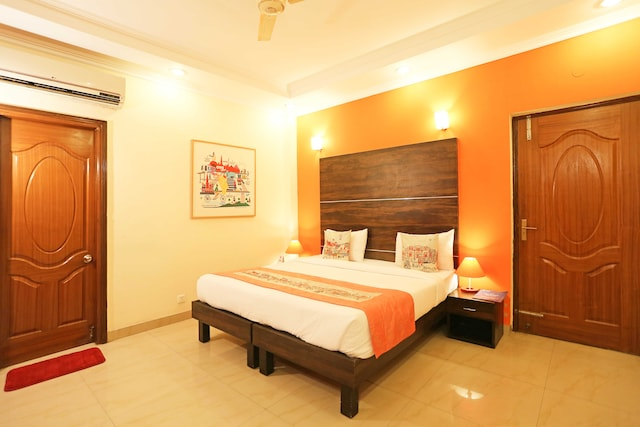 OYO Rooms 683 HUDA City Centre