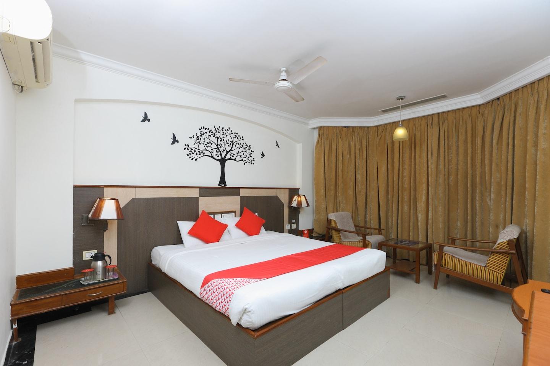 OYO 1081 Hotel Sindhu International -1