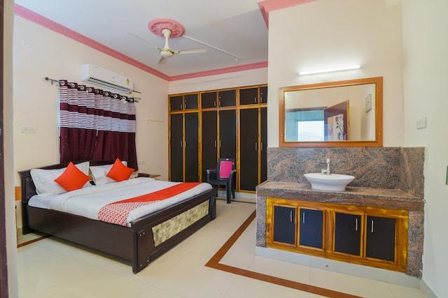 OYO 7403 Sri Kapileswara Residencey