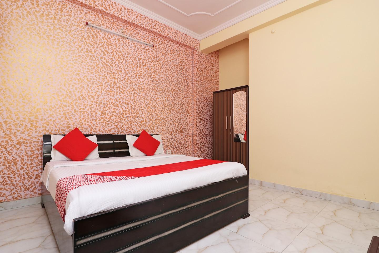 OYO 7441 Gomti Nagar -1
