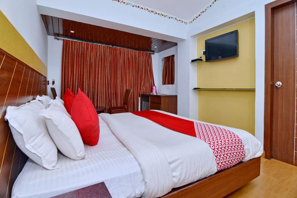OYO 7454 Hotel Ronaldo's