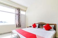 OYO 7483 Hotel Modgil