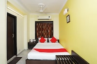 OYO 15258 Hotel Arya International