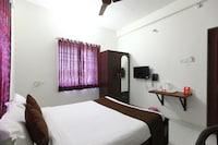 OYO 7576 Varuna Inn
