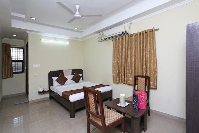 OYO 1108 Hotel Saraswathi Residency