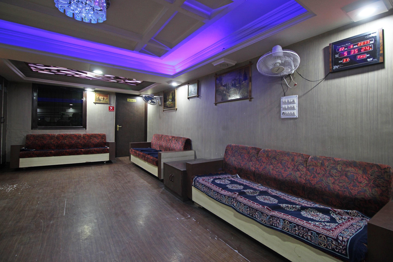 OYO 1110 Hotel Osheen Palace