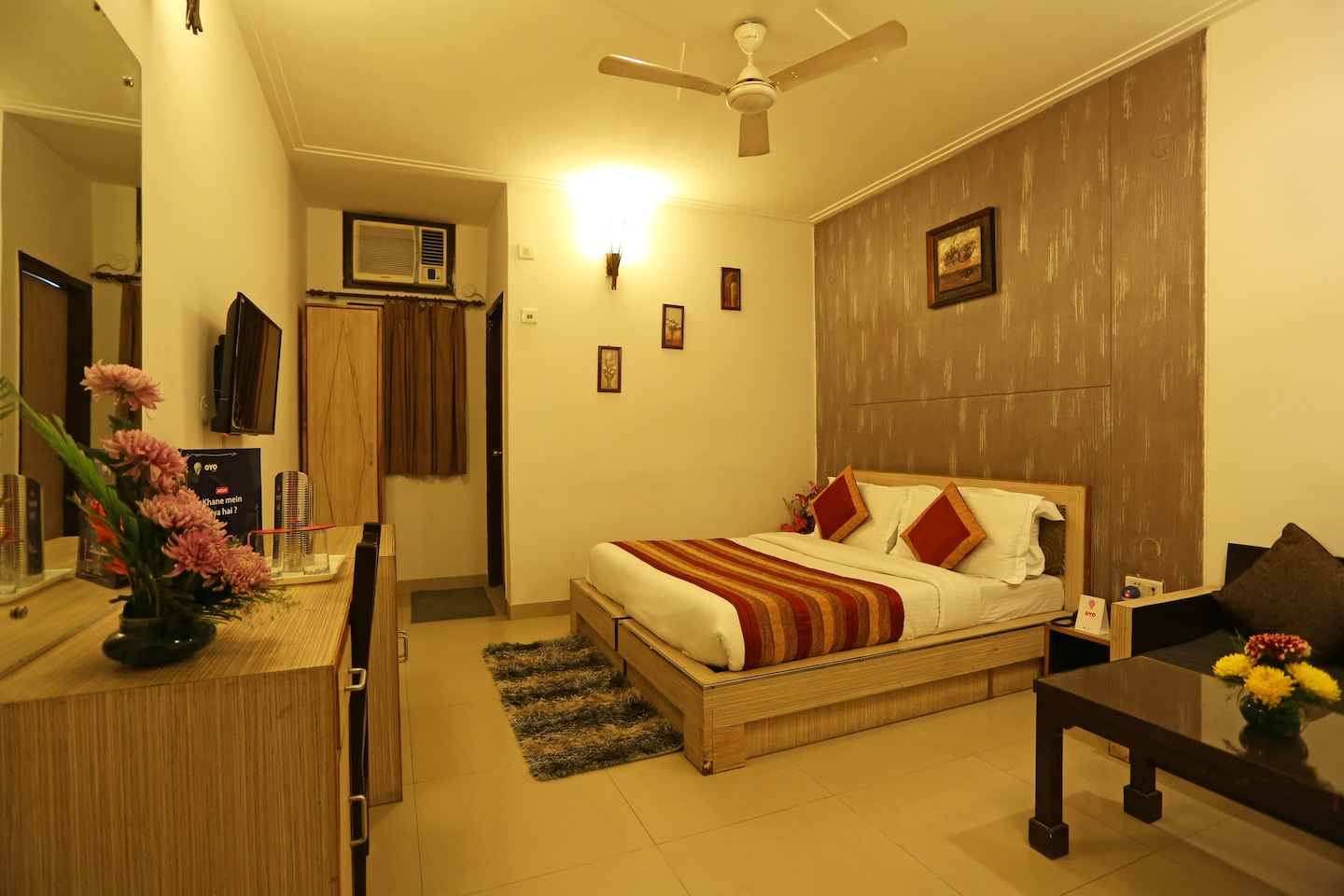 OYO Rooms 695 Near Airport Bypass Room-1