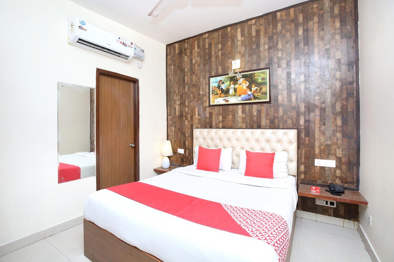 OYO 7682 Hotel Frisat -1