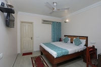 OYO 696 Hotel Grand Rooms
