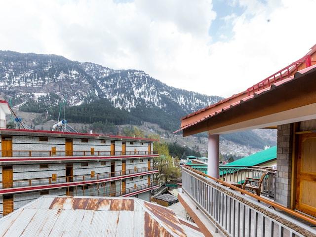 OYO 7766 Hotel Thakur