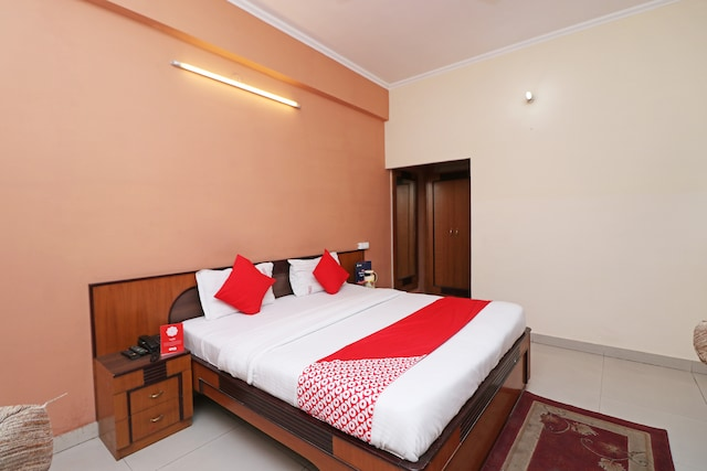 OYO 7769 Hotel Atithi