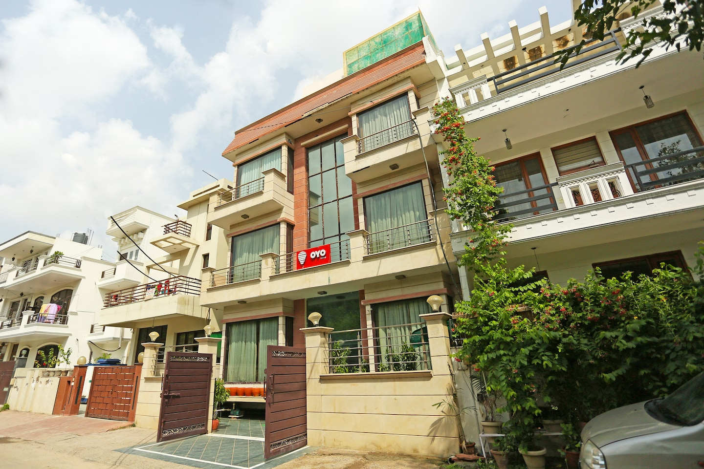 OYO 302 Maple Green Facade-1