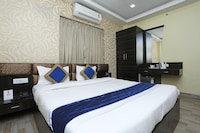 OYO 7790 Hotel Royal Height