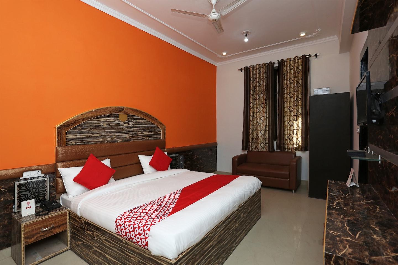 OYO 7812 Shree Radha Resort -1