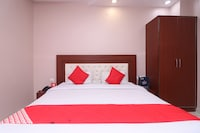 OYO 7831 Hotel King's Deluxe