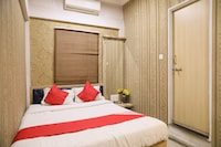 OYO 7851 Hotel Avadh Deluxe