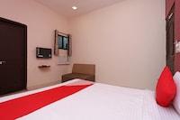 OYO 7859 Hotel Gurukripa