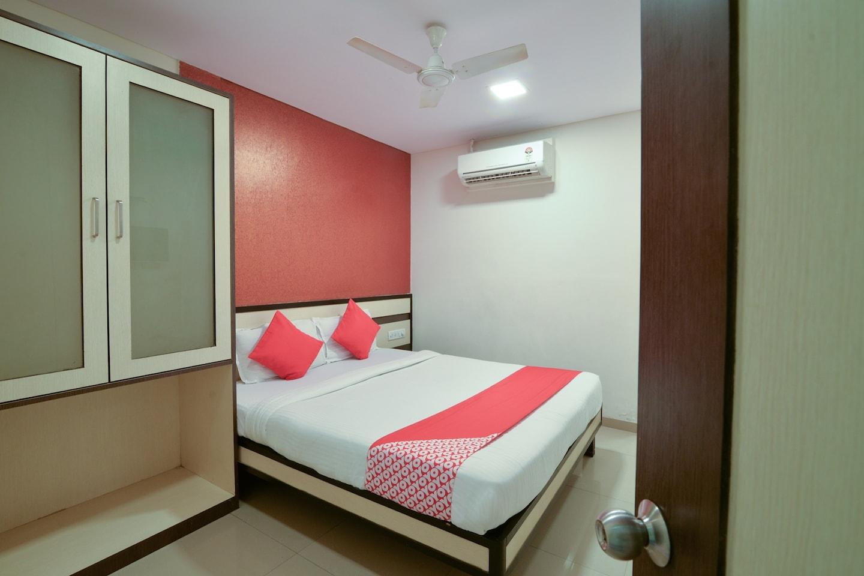 OYO 7892 Hotel Minerva Residency -1