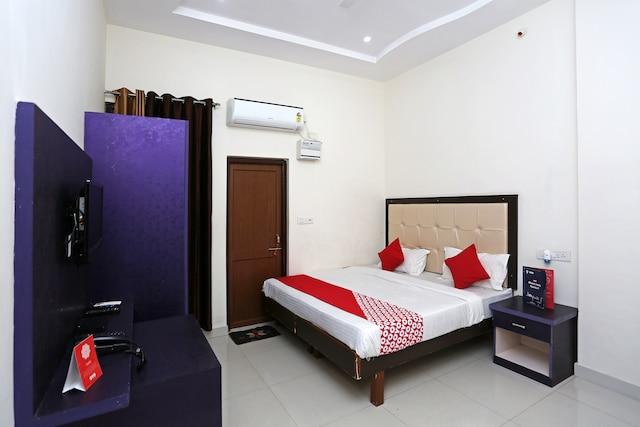 OYO 7894 Hotel Namo Palace