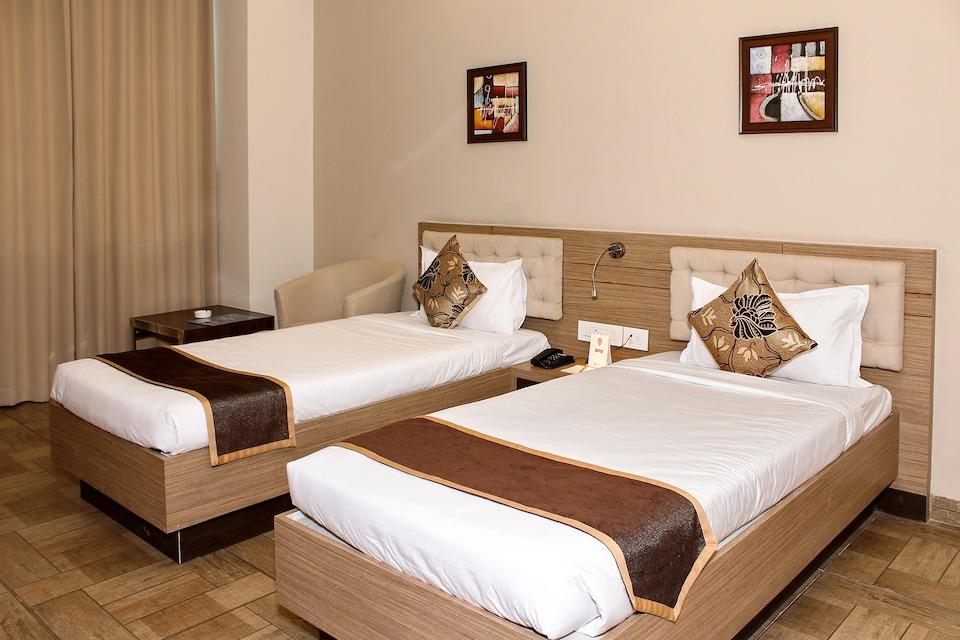 OYO 7925 Hotel Genista Inn