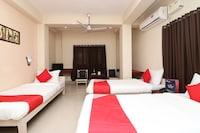 OYO 7933 Hotel Trimurty International