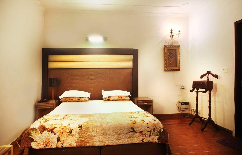 OYO 358 Hotel Golden Leaf -1