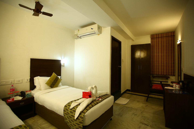 OYO 1141 Hotel Grand Tiara -1