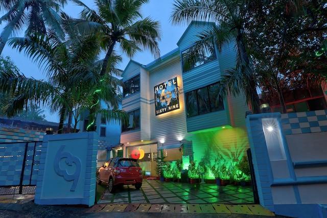 Capital O 8044 Hotel 69